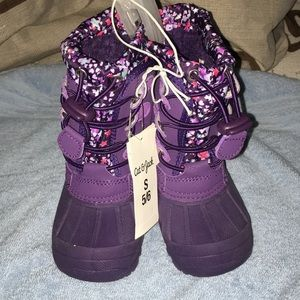 NWT snow boots, toddler girl Sz 5/6